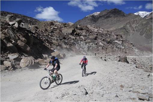 mountain-biking-in-ladakh